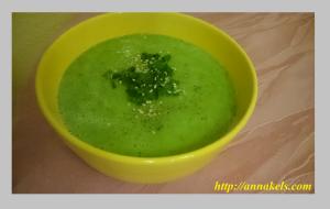 суп-пюре из авокадо и огурца