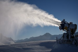 снег пушки