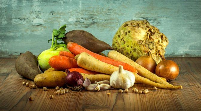 Салат из сельдерея и моркови