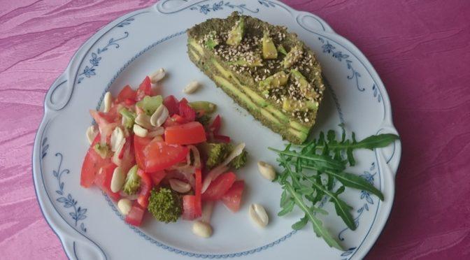 Соленый тортик из авокадо