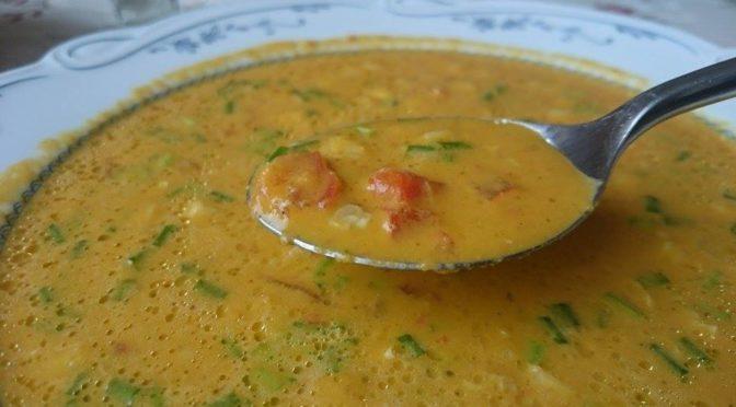 Сыроедный суп с помидорами и куркумой